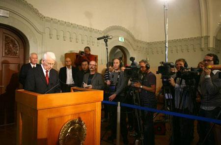 芬兰前总统阿赫蒂萨里获2008年诺贝尔和平奖