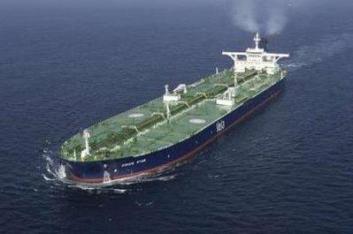 海盗所劫巨型油轮天狼星号已接近索马里(图)