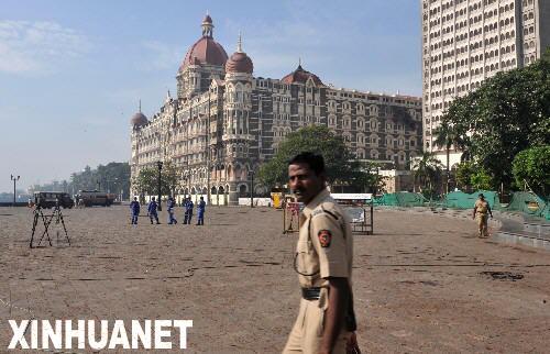 印度孟买两家遇袭大酒店部分恢复营业