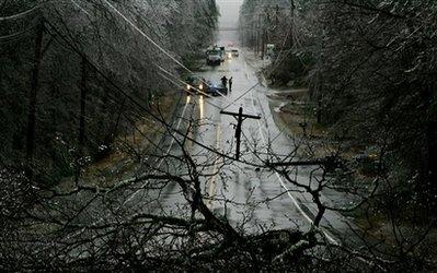 美国中部冰风暴已致100多万户断电