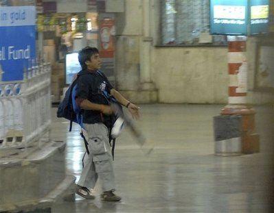 孟买袭击案枪手称被金钱收买