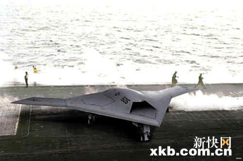美军x-47b无人战斗机上舰测试设想图