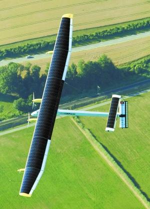 瑞士太阳能飞机昼夜试飞成功