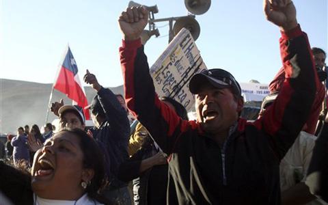 智利矿工被困井下20天政府担心发胖无法出洞