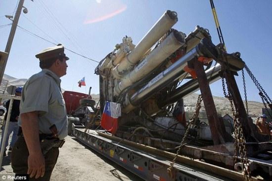 智利坍塌铜矿救生竖井开挖(组图)