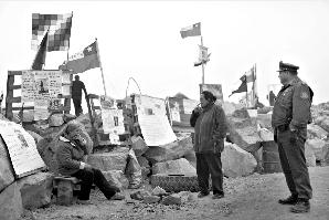 美专家为保证营养拒向智利被困矿工提供烟酒