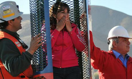 智利矿工井下接受健身训练为升井做准备