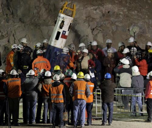 智利矿工家属解读矿难救援中数字巧合