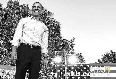 奥巴马回家乡拉票遇尴尬男子跪车前乞钱(组图)