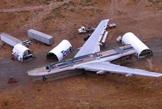 废弃飞机哪里有啊