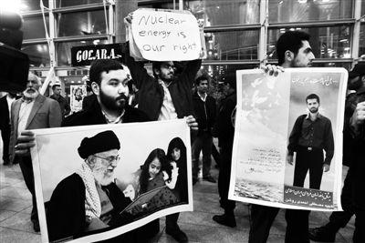 """29日,伊朗德黑兰,国际原子能机构高级代表团抵达伊朗后,遭到伊朗大学生的""""抗议迎接""""。"""