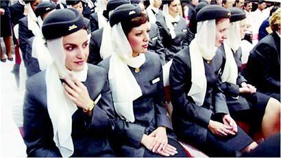 叙利亚空姐大打出手