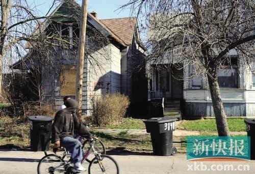 底特律许多房子已经人去楼空,破败不堪。新华社资料图