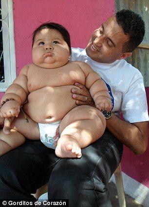 营养师检查后认为,男婴只是吃得多,并非患有其他疾病。(图片来源:英国媒体)