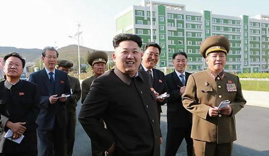 朝鲜官媒14日报道了朝鲜最高领导人金正恩视察工作的消息和照片(网页截图)