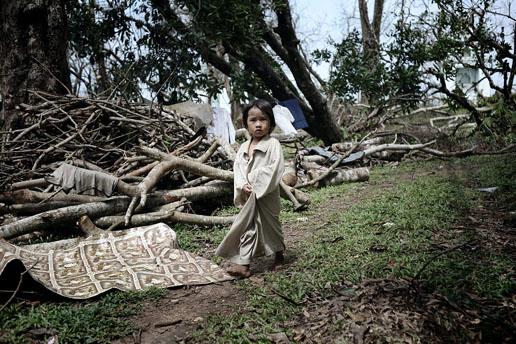 组图:一般新闻组照三等奖-缅甸飓风过后(2)