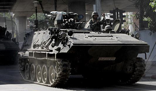 泰国武装部队进入曼谷及周边地区(组图)