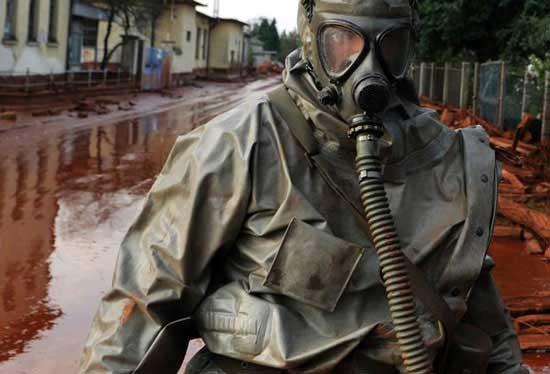 匈牙利铝厂泄漏有毒废水流入多瑙河(图)