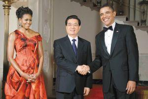 胡锦涛出席奥巴马夫妇在白宫国宴厅举行的盛大欢迎宴会。