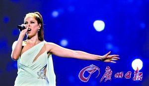 西班牙女歌手索莱尔。