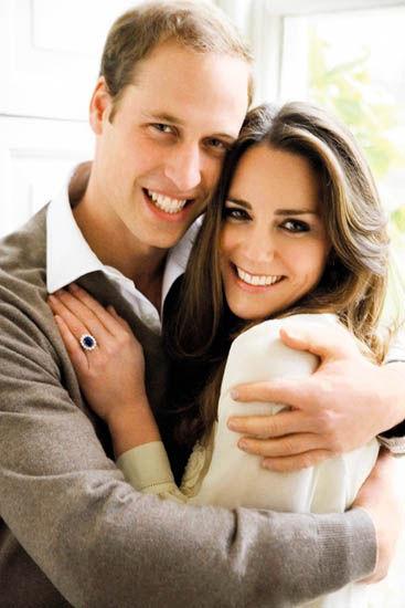 威廉王子和未婚妻凯特于2010年11月25日在圣詹姆斯宫拍摄的订婚照