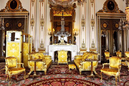 3月28日,英国白金汉宫提前向公众展示了威廉王子大婚的场景布置