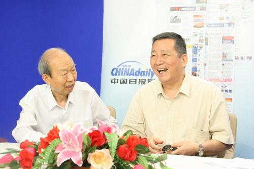 中国驻埃及前大使安惠侯(右)、驻阿联酋前大使刘宝莱