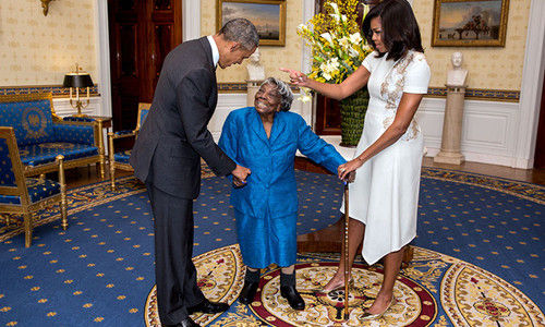 奥巴马与106岁老太在白宫共舞的背后