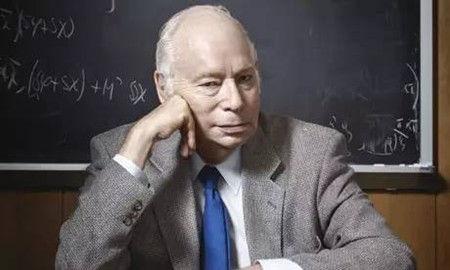 史蒂文・温伯格(1933年5月3日--),美国物理学家,因提出基于对称性自发破缺机制的电弱理论获得1979年获诺贝尔物理学奖。