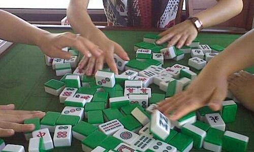 打麻将是中国最大众化的娱乐项目