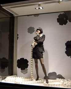 """衣服的""""衣架魅力"""" hanger appeal"""