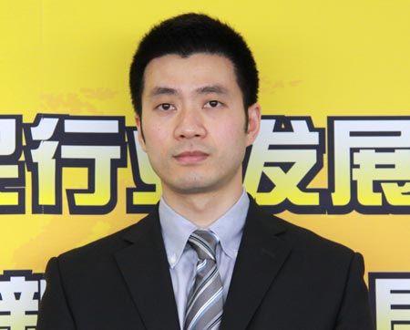 外联出国顾问集团副总裁陈伟琪