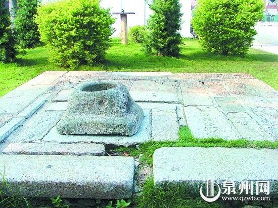 府文庙内的夫子泉井