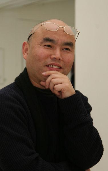 吕品昌:造型学院雕塑系主任