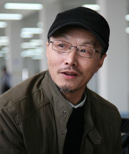 吕胜中:造型学院实验艺术系主任