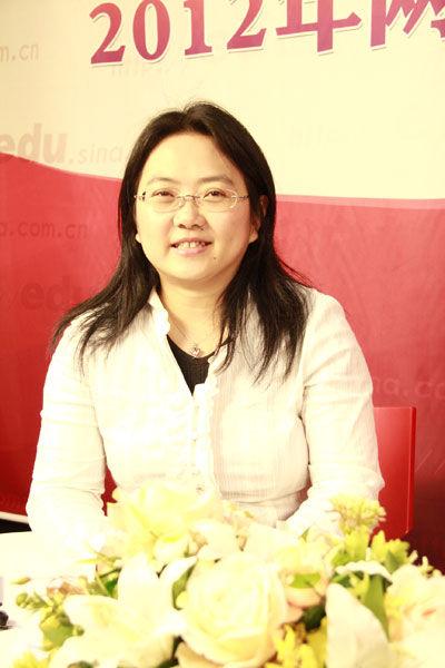 香港科技大学本科招生及入学事务处经理陈杏妮做客新浪