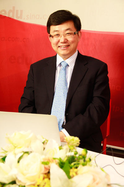 复旦大学校长助理兼招生办公室主任丁光宏做客新浪