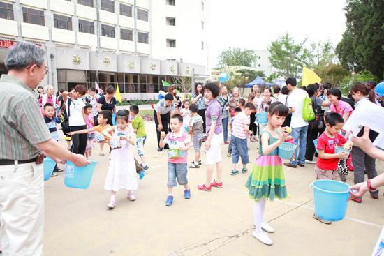 中国儿童五大城市小学生户外活动状况调查