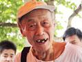 83岁老人12次参加高考