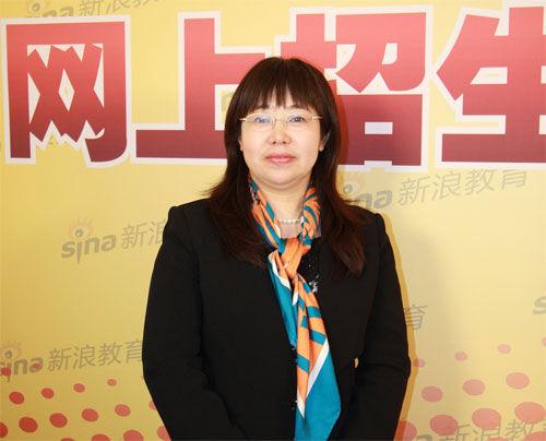 中国传媒大学的招办主任夏丹做客新浪