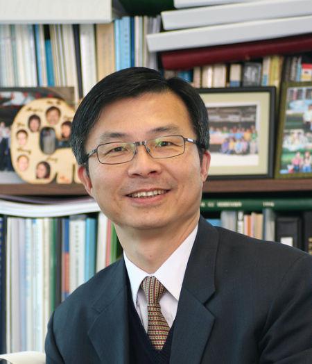 香港浸会大学教务长苏国生博士做客新浪