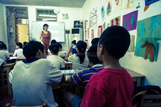 教堂里的英语课:美国姑娘的中国小视(组图)经历情趣频动态图片