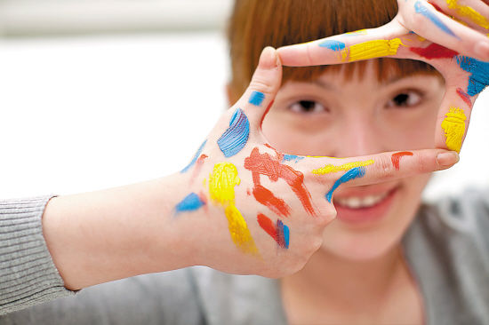 英国创意产业增长强劲 支持艺术生创业