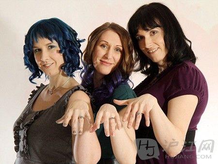 美国3名女同性恋结婚 将有第一个孩子(双语)