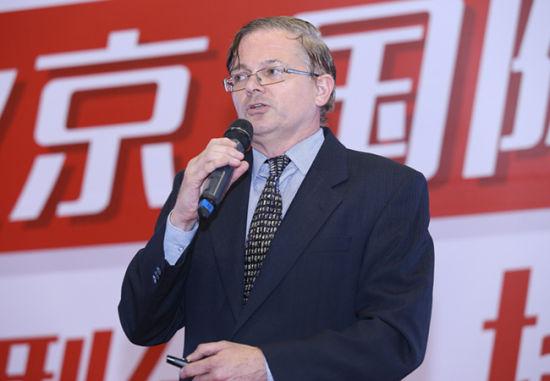 北京新京华百福国际高中校长Mr. Nash先生