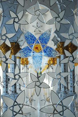 用46吨黄金包裹的阿布扎比大清真寺