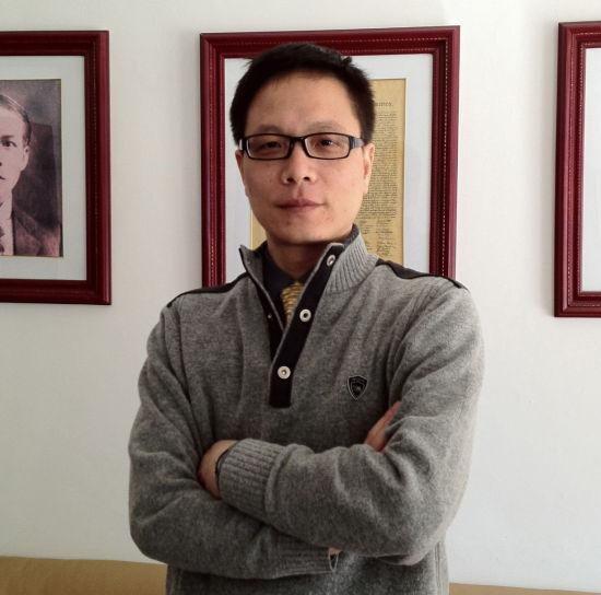台湾民办教育专家、台湾政龙文教科技有限公司董事长钟藏政