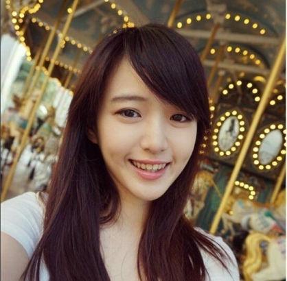 """台湾艺大女生甜美可人 被赞""""国民初恋"""""""