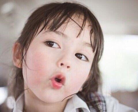 今年5岁的她是泰国十大童星之一