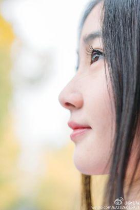 """""""银杏女神""""酷似神仙姐姐刘亦菲"""